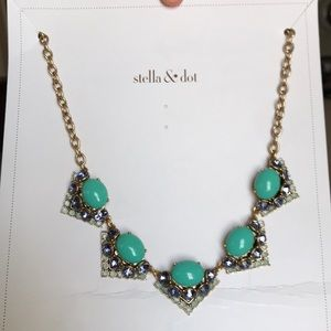 Stela and Dot necklace